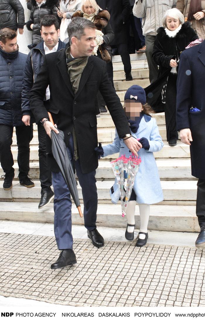 Ο Κώστας Μπακογιάννης με την «μικρή κυρία» κόρη του Ολυμπία στα Θεοφάνεια
