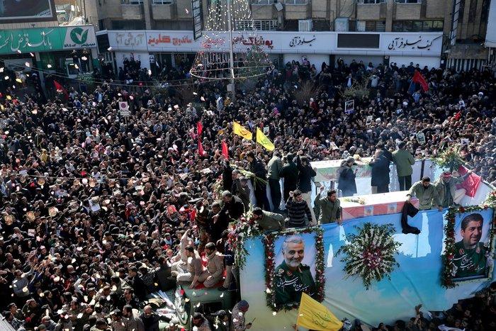 Χάος στη κηδεία Σουλεΐμανί - Ποδοπατήθηκε κόσμος, 32 νεκροί -190 τραυματίες - εικόνα 4