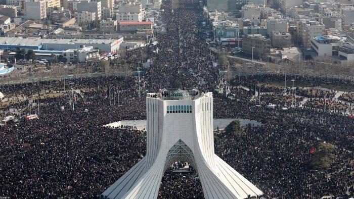 Χάος στη κηδεία Σουλεΐμανί - Ποδοπατήθηκε κόσμος, 32 νεκροί -190 τραυματίες
