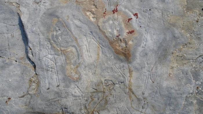 Άγνωστοι καταστρέφουν πανάρχαιες βραχογραφίες στο Παγγαίο - εικόνα 3