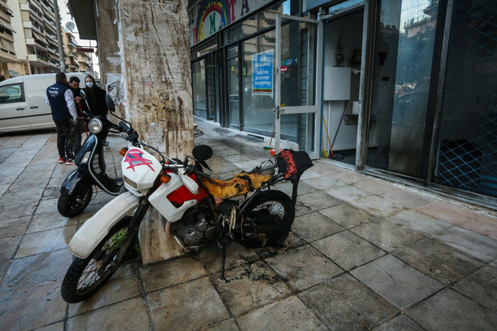 Συναγερμός τα ξημερώματα: Διπλή εμπρηστική επίθεση στην Κυψέλη - εικόνα 3