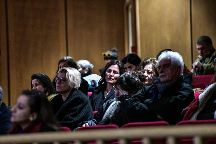 Η Περιστέρα στη δίκη της Χρυσής Αυγής - Δίπλα στη Μάγδα Φύσσα [εικόνες]
