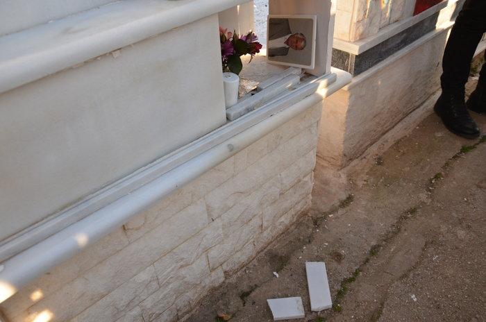Άργος: Ιερόσυλοι έκλεψαν καντήλια & βάζα από νεκροταφείο - εικόνα 3