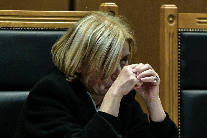 Γιατί κρύβεται η εισαγγελέας στη δίκη της Χρυσής Αυγής; Πολλά τα σχόλια