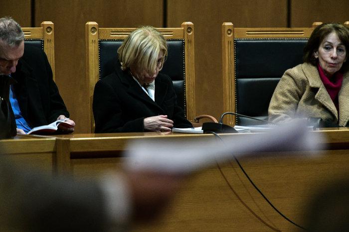 Γιατί κρύβεται η εισαγγελέας στη δίκη της Χρυσής Αυγής; Πολλά τα σχόλια - εικόνα 4