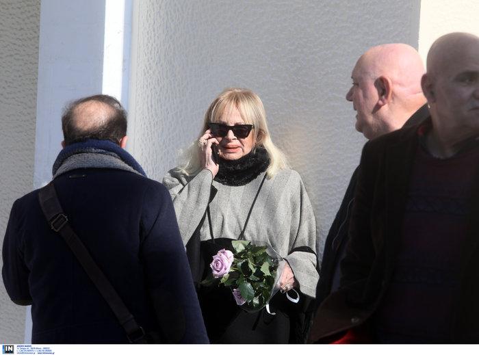 Έρρικα Μπρόγιερ: Το «τελευταίο αντίο» στο Νεκροταφείο Ζωγράφου - εικόνα 2