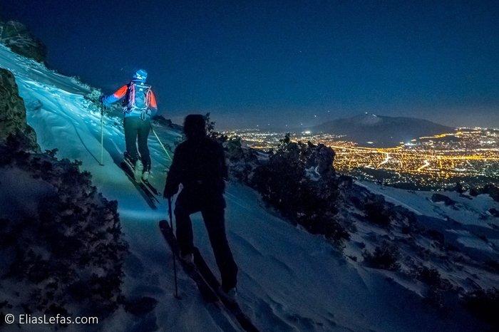 Οι μαγικές φωτογραφίες του Σάκη Αρναούτογλου στη χιονισμένη Πεντέλη - εικόνα 4