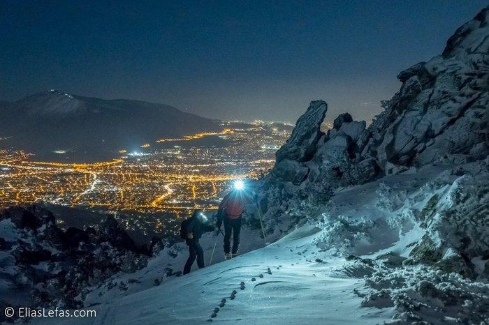 Οι μαγικές φωτογραφίες του Σάκη Αρναούτογλου στη χιονισμένη Πεντέλη - εικόνα 5