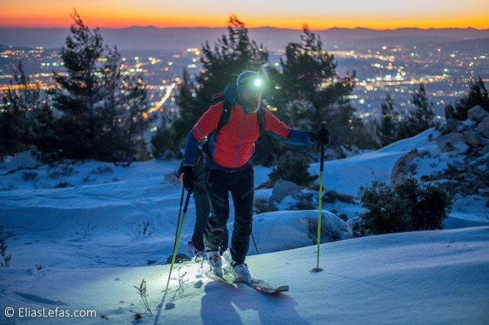 Οι μαγικές φωτογραφίες του Σάκη Αρναούτογλου στη χιονισμένη Πεντέλη - εικόνα 6