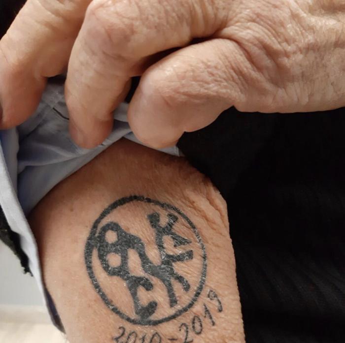 Ο Μπουτάρης «χτύπησε» νέο τατουάζ - Τι συμβολίζει