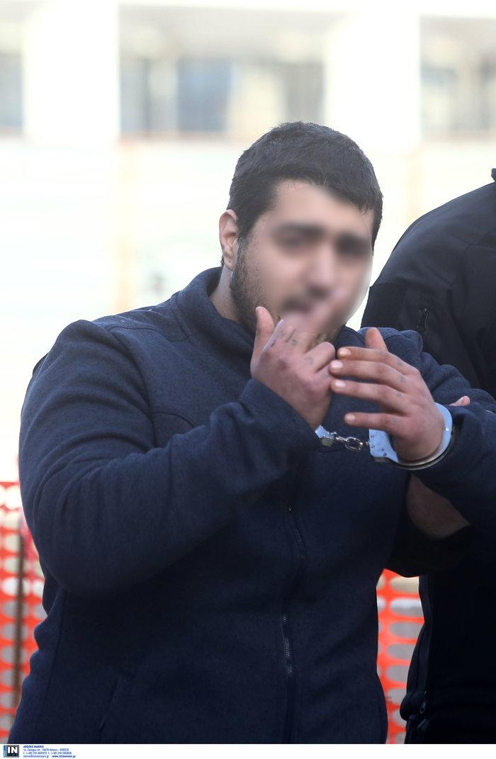 Τοπαλούδη: Πρόκληση με άσεμνη χειρονομία από τον κατηγορούμενο - εικόνα 2