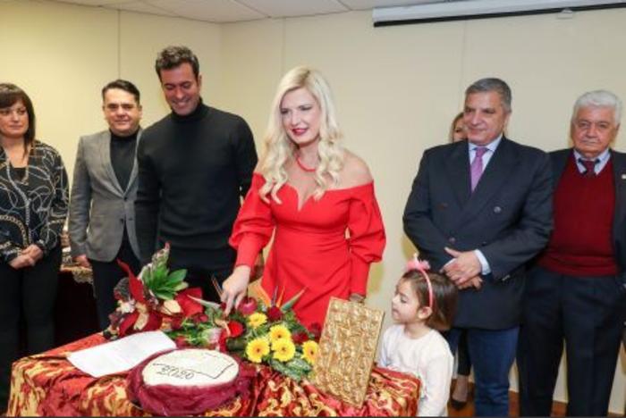 Μαρίνα Πατούλη: Συνεχίζει ακάθεκτη να κόβει πίτες