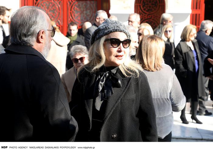 Το τελευταίο αντίο στη δημοσιογράφο Χριστίνα Λυκιαρδοπούλου - εικόνα 9