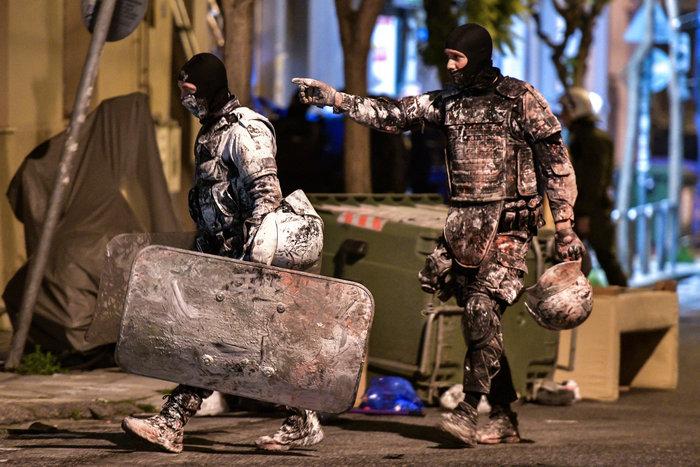 Νέες στολές στην ΕΛ.ΑΣ- Μετα την βροχή από μπογιές στο Κουκάκι - εικόνα 2