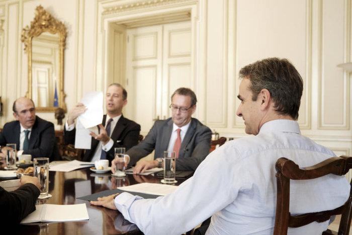 Συνάντηση Μητσοτάκη με εκπροσώπους ενεργειακών εταιρειών - εικόνα 2