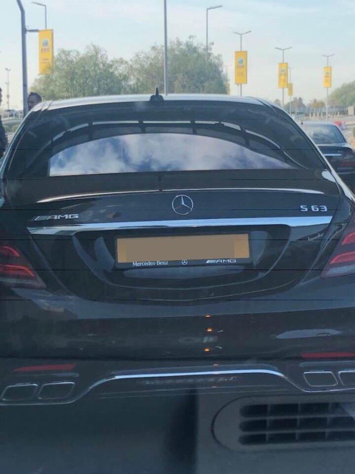 Απίστευτο: Μητροπολίτης με Mercedes των... 300.000 ευρώ