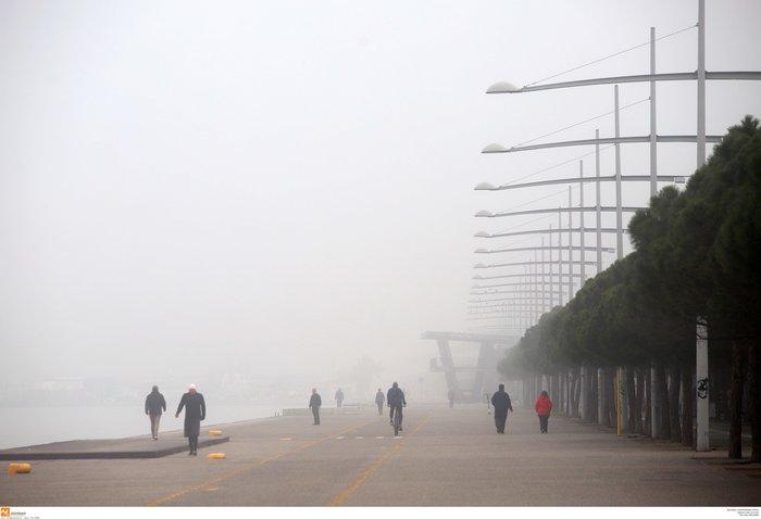 Ομίχλη στη Θεσσαλονίκη - Εντυπωσιακές εικόνες στο αεροδρόμιο Μακεδονία - εικόνα 3