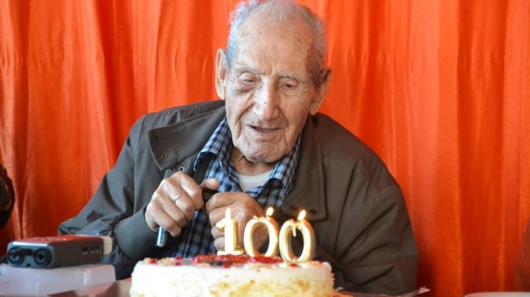 Παππούς επέζησε από την Γκεστάπο- Γιόρτασε τα 100 του χρόνια