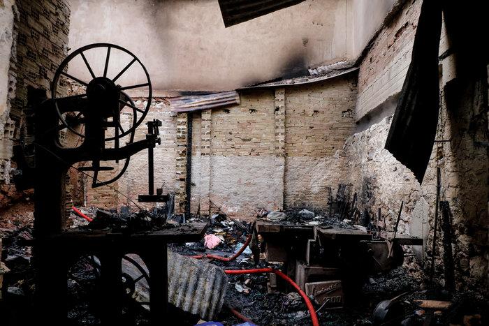 Τραγωδία στο Ρέντη: Νεκρός άνδρας από φωτιά - εικόνα 4