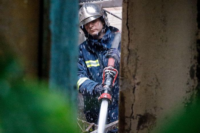 Τραγωδία στο Ρέντη: Νεκρός άνδρας από φωτιά - εικόνα 6