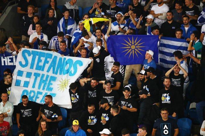 Ξέφυγαν οι Έλληνες φίλαθλοι σε αγώνα του Τσιτσιπά - Τι συνέβη