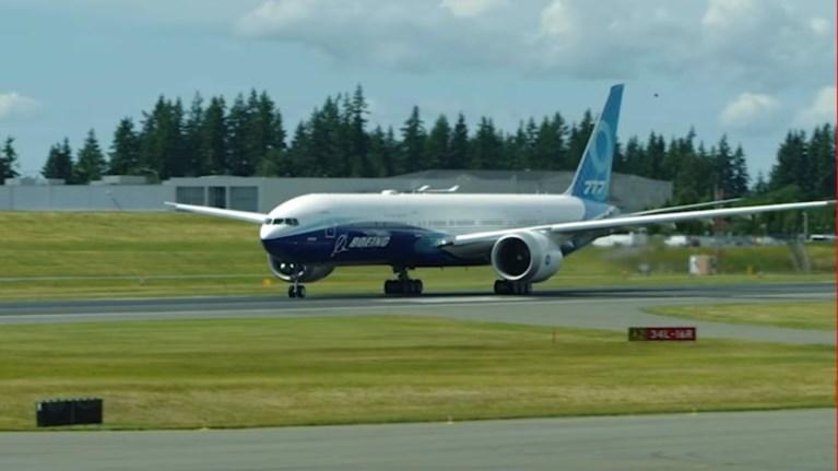 777x-autos-einai-o-gigantas-twn-aitherwn-tis-boeing---binteo