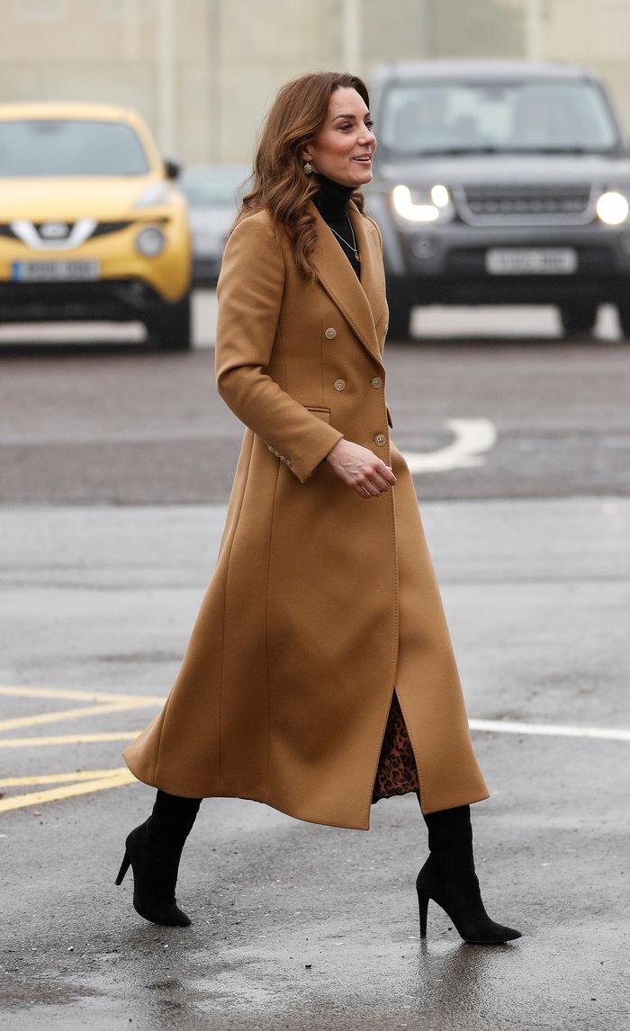 Η Κέιτ Μίντλετον με φούστα Zara των 10€ - Η εμφάνιση που έγινε sold out