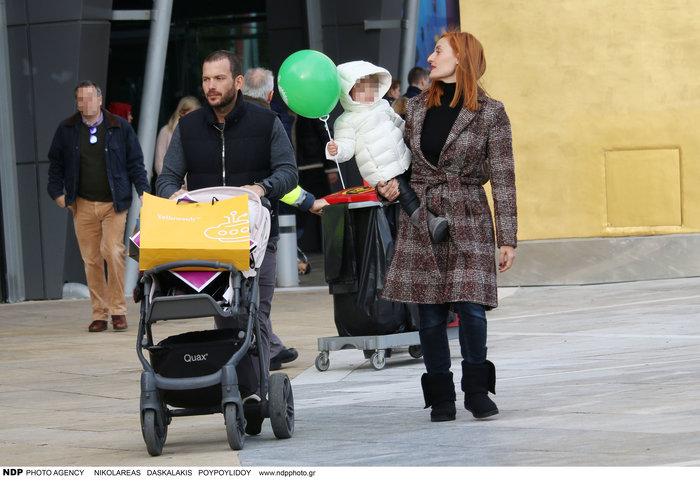 Ελεονώρα Μελέτη: Φόρεσε τις ίδιες μπότες με την κόρη της [Εικόνες] - εικόνα 3
