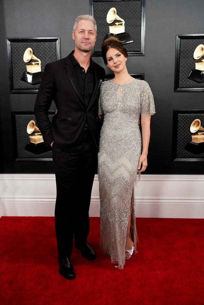 Grammy 2020: Η Λάνα Ντελ Ρέι για πρώτη φορά με τον αστυνομικό σύντροφό της - εικόνα 2