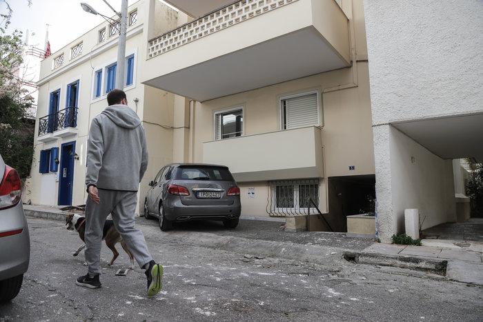 Ισχυρή έκρηξη έξω από σπίτι εφοπλιστή στον Πειραιά