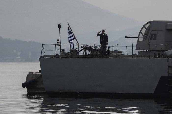 Γιατί ο αρχηγός Στόλου αποχώρησε με βάρκα και κωπηλάτες- Το τελετουργικό - εικόνα 13