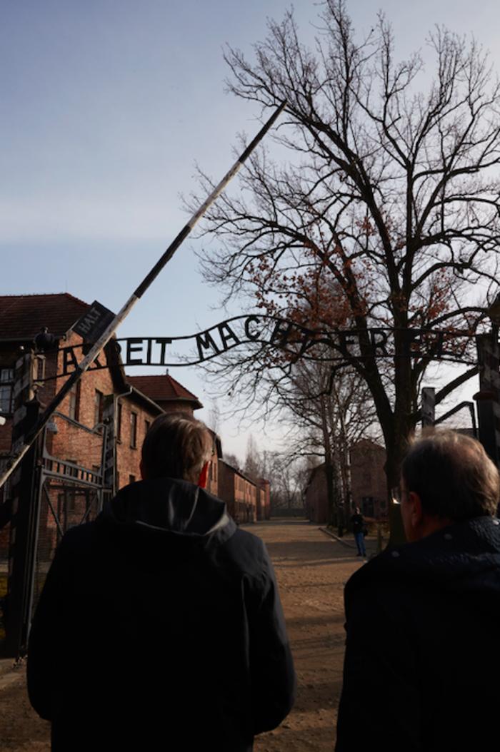 Μητσοτάκης στο Άουσβιτς: Μην ζήσουμε ποτέ ξανά τέτοια τραγωδία