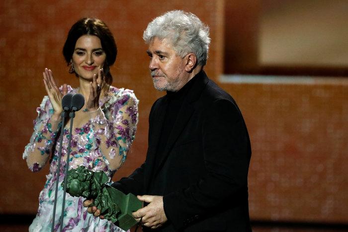 Πενέλοπε Κρουζ: Εμφάνιση με παραμυθένιο φόρεμα στα βραβεία Γκόγια