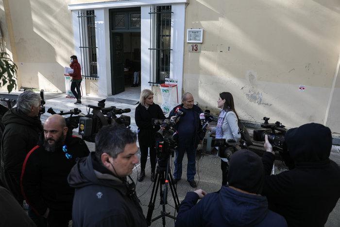 Χαμός στη δίκη για τη Μάνδρα: «Μας δουλεύουν, ντροπή» - εικόνα 2