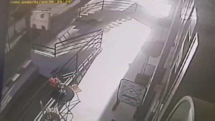 Οι πρώτες εικόνες της σύλληψης των τρομοκρατών από κάμερα