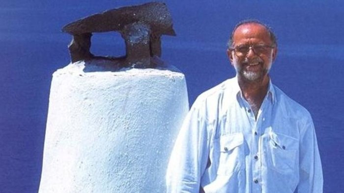 Θλίψη: Πέθανε ο κορυφαίος σχεδιαστής μόδας Γιάννης Τσεκλένης