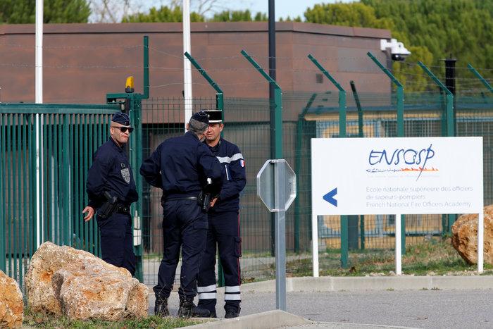 Κοροναϊός: Επέστρεψε στην Ευρώπη ο Ελληνας εγκλωβισμένος- Εφτασε στη Γαλλία - εικόνα 2