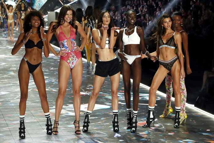 NYT: Αποκαλύψεις -σοκ για τα «αγγελάκια» της Victoria's Secret