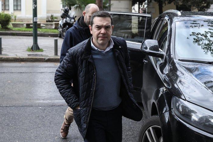 Πολύ «μουτρωμένος» ο Τσίπρας στην Πολιτική Γραμματεία ΣΥΡΙΖΑ - εικόνα 5