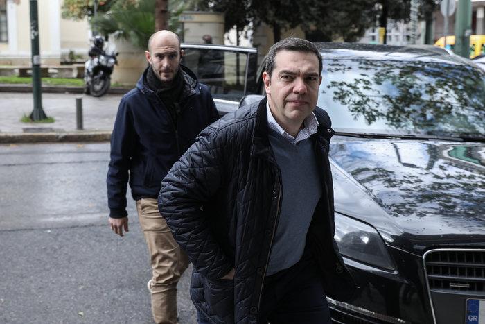 Πολύ «μουτρωμένος» ο Τσίπρας στην Πολιτική Γραμματεία ΣΥΡΙΖΑ - εικόνα 6