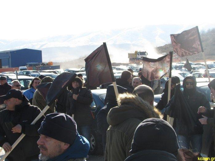 Η μαντινάδα - απάντηση του Χατζηδάκη στις μαύρες σημαίες
