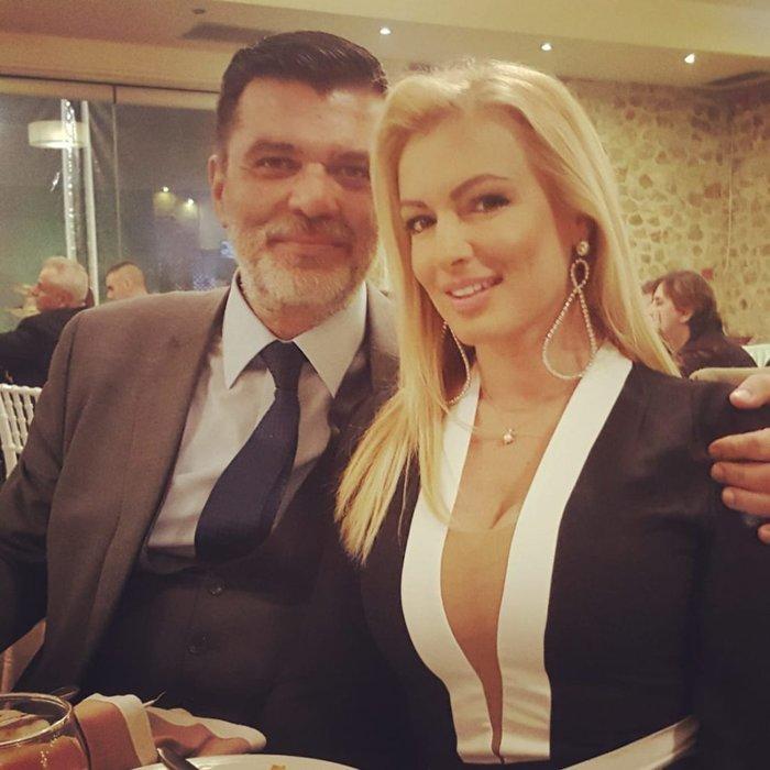 Η καλλονή δημοσιογράφος που παντρεύεται βουλευτή της ΝΔ, κουμπάρος ο Πέτσας