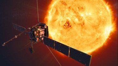 to-solar-orbiter-fwtografizei-gia-prwti-fora-ton-ilio-video