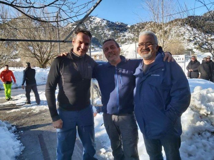 Ο Μητσοτάκης πήρε τα βουνά- Ανέβηκε στα χιόνια στον Ομαλό της Κρήτης [φωτο] - εικόνα 2
