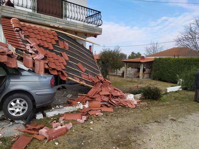 Ξάνθη: Διακινητής μεταναστών προσπάθησε να διαφύγει και έπεσε σε σπίτι - εικόνα 3