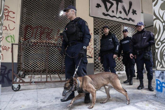 Περιπολίες με σκύλους στα Εξάρχεια- Το νέο στίλ αστυνόμευσης της περιοχής - εικόνα 3