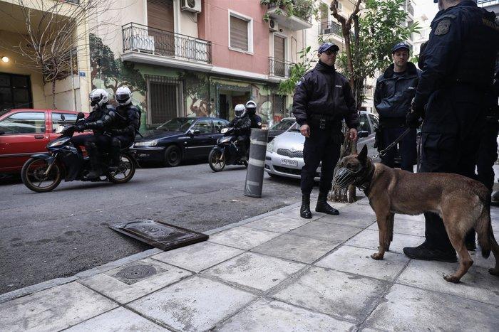 Περιπολίες με σκύλους στα Εξάρχεια- Το νέο στίλ αστυνόμευσης της περιοχής - εικόνα 7