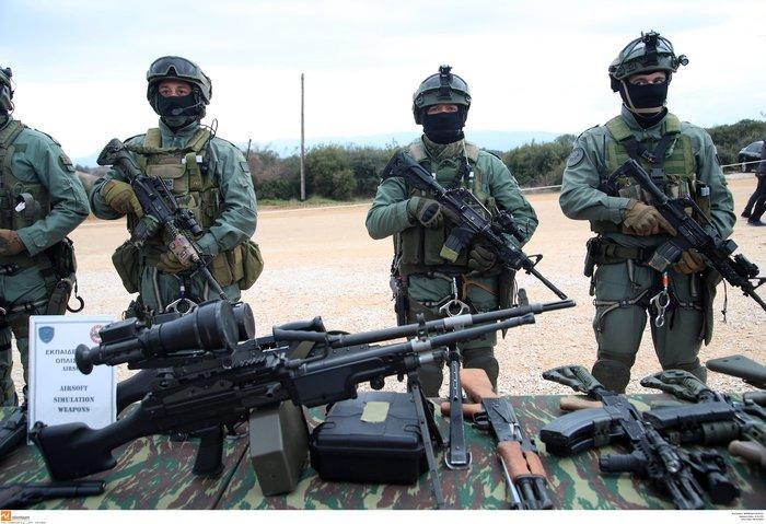 Στρατιωτική άσκηση σαν πόλεμος με καταδρομείς από επτά χώρες - εικόνα 2