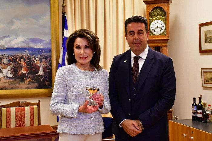 Γιάννα Αγγελοπούλου: Οι πόροι της Επιτροπής προέρχονται μόνο από χορηγίες - εικόνα 5