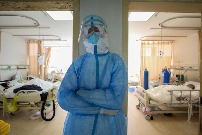 Πρύτανης ΕΚΠΑ: Πότε θα μπει τέλος στην επιδημία του κοροναϊού